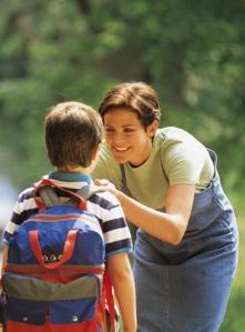 Ayudar-a-tus-hijos-con-los-detalles-les-da-seguridad-Foto_guisinfantil.com_